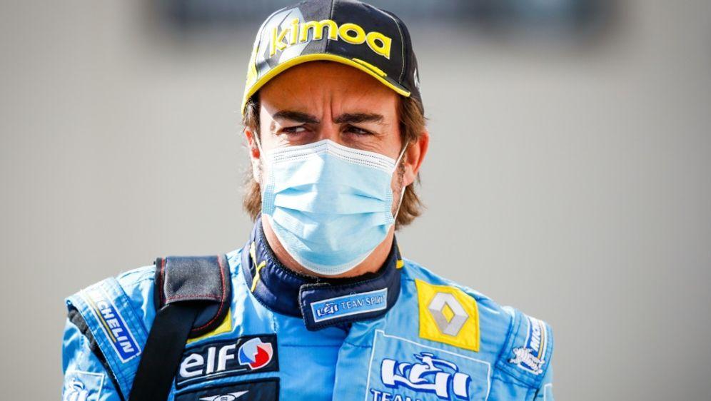 Alonso nach Rennrad-Unfall mit Kieferbruch - Bildquelle: FIROFIROSID
