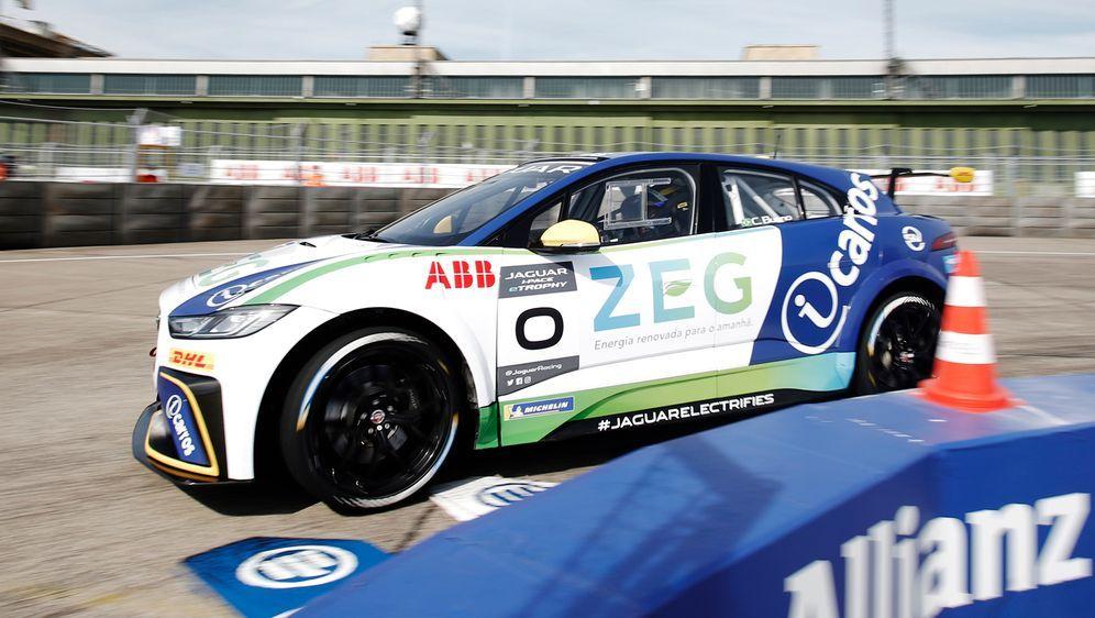 Caca Bueno gewinnt in Berlin die Wiederaufnahme der Jaguar i-PACE eTrophy. - Bildquelle: Jaguar Racing