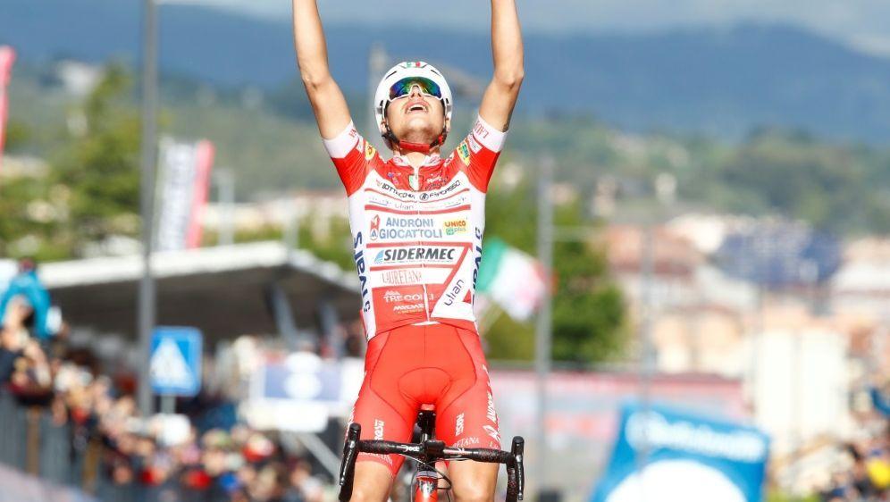 Ist der erste italienische Etappensieger: Fausto Masnada - Bildquelle: AFPAFPLuk BENIES