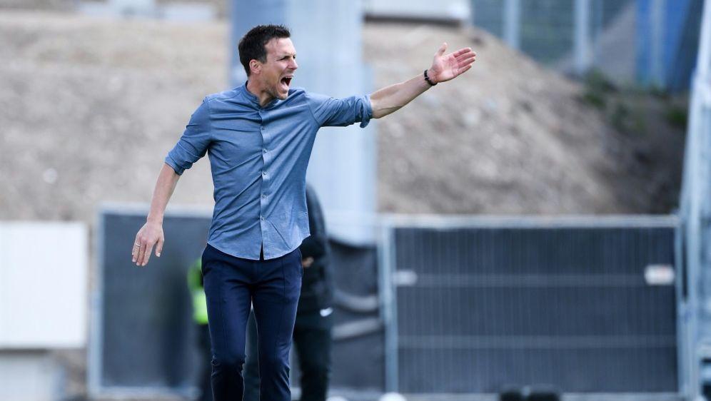 KSC-Trainer Christian Eichner holt Punkt gegen Hannover - Bildquelle: PIXATHLONPIXATHLONSID