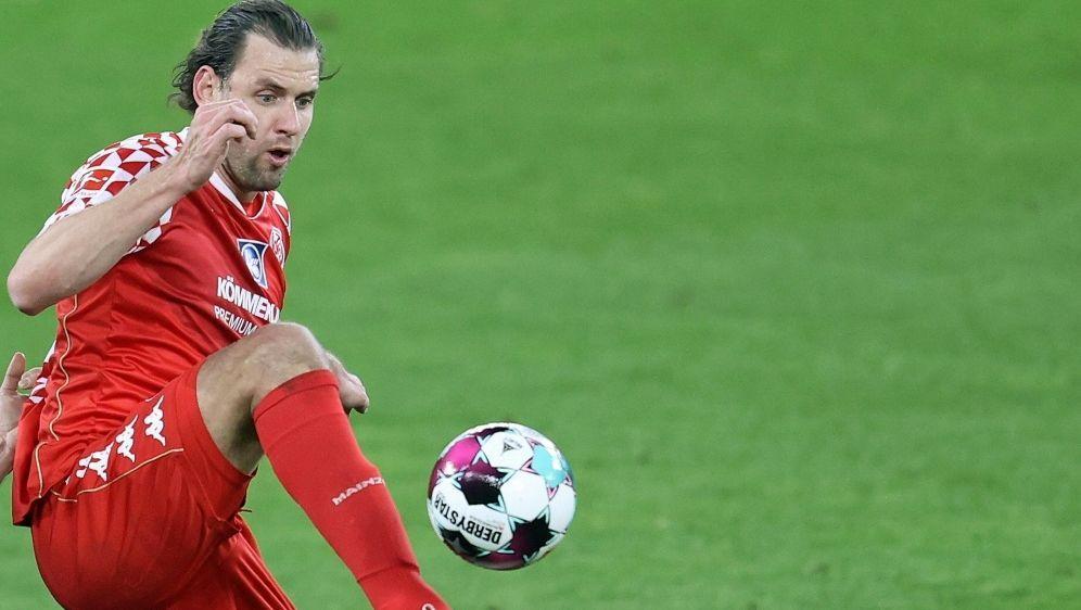 Adam Szalai verletzte sich im Spiel gegen Freiburg - Bildquelle: FIROFIROSID
