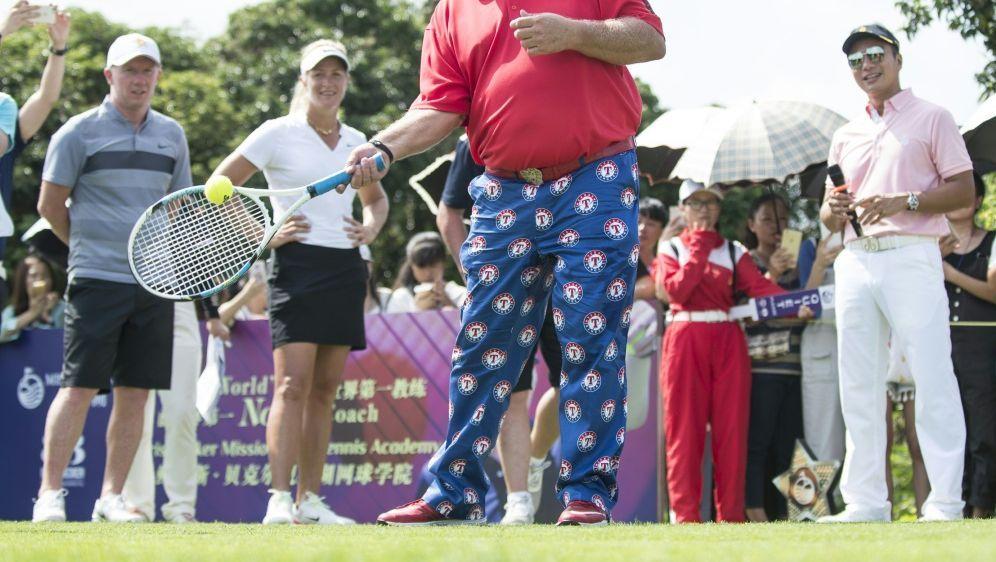 Daly erhielt für das Golfcart eine Sondergenehmigung - Bildquelle: PIXATHLONPIXATHLONSID