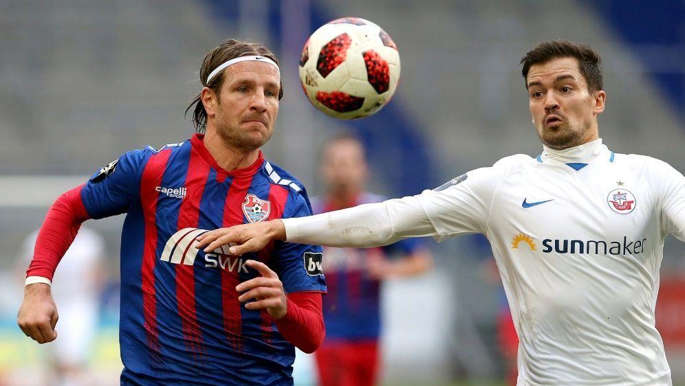 Julian Riedel (r.) steht Rostock nicht zur Verfügung - Bildquelle: FIROFIROSID