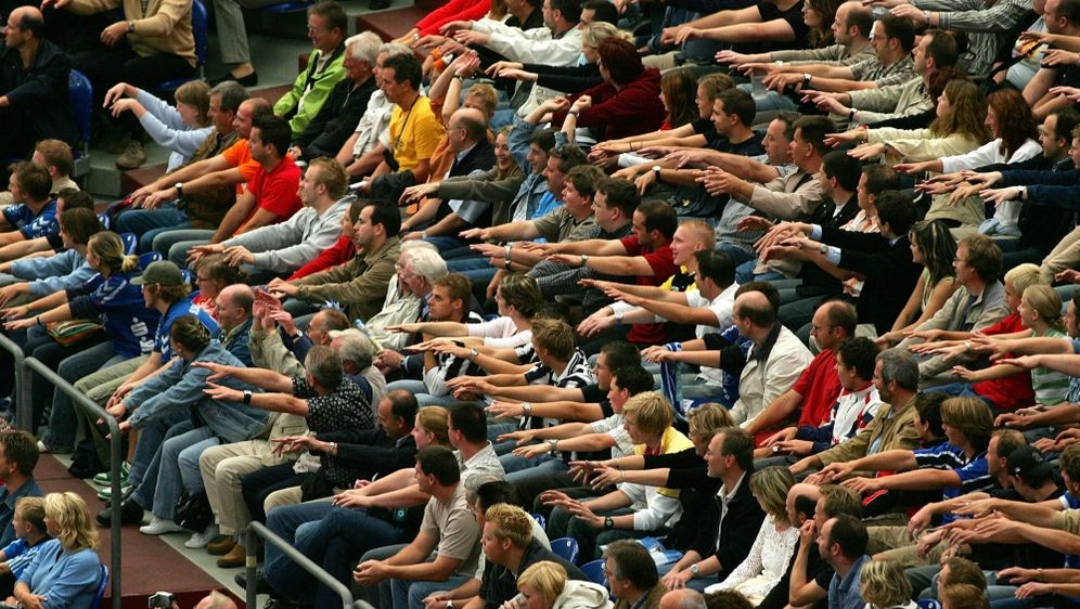 Die Kieler Fans feiern eine Double-Party - Bildquelle: FIROFIROSID