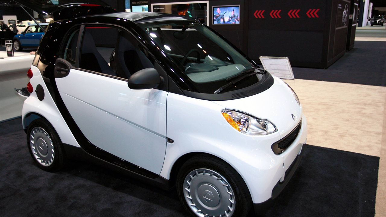 Smart fortwo EQ coupé - Bildquelle: imago stock&people