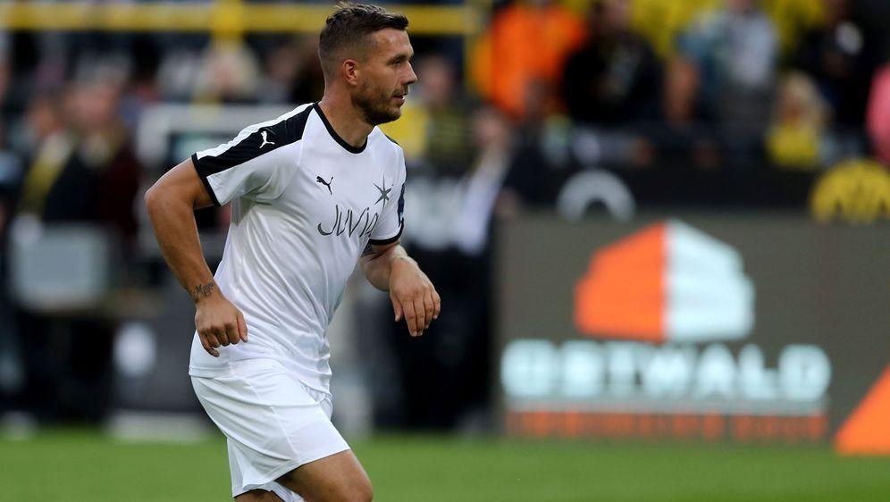 Podolski verliert mit Kobe zum fünften Mal in Folge - Bildquelle: 2018 Getty Images
