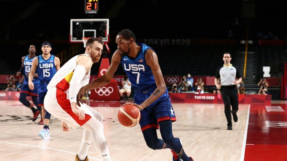 Kevin Durant führt die USA ins Olympia-Halbfinale - Bildquelle: AFPNBAE  Getty ImagesSIDNED DISHMAN
