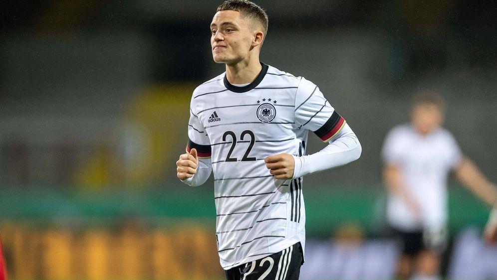Florian Wirtz ist eine der Offensivhoffnungen der deutschen U21-Nationalmann... - Bildquelle: imago images/Camera 4