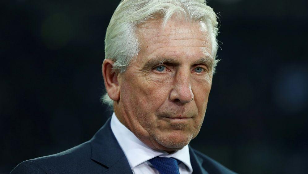 Fischer warnt vor schweren Zeiten beim FC Schalke 04 - Bildquelle: PIXATHLONPIXATHLONSID