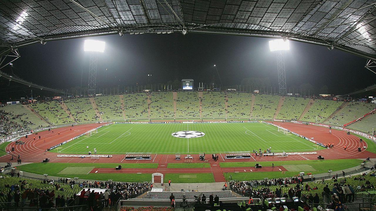 Münchener Olympiastadion (FC Bayern München und teilweise 1860 München) - Bildquelle: 2004 Getty Images