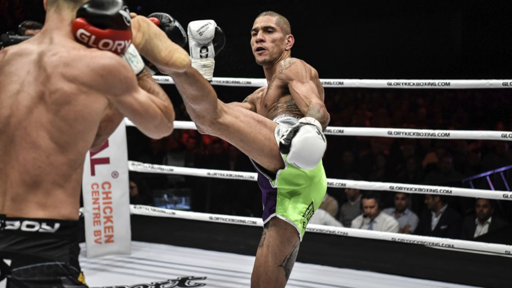 Alex Pereira will eine alte Rechnung begleichen und den Titel verteidigen - Bildquelle: Glory Sports International