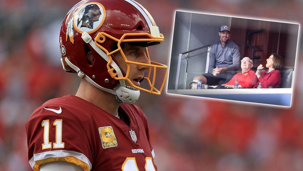 Mit dicker Beinschiene zurück in der Öffentlichkeit: Redskins-Quarterback Al... - Bildquelle: Getty Images