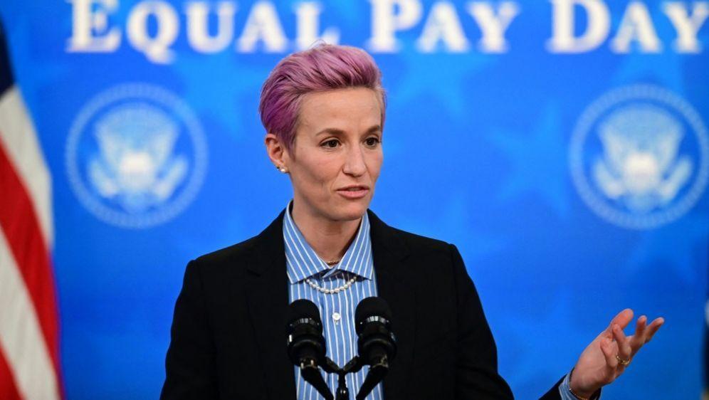 US-Frauenteam um Rapinoe soll gleich bezahlt werden - Bildquelle: AFPSIDJIM WATSON