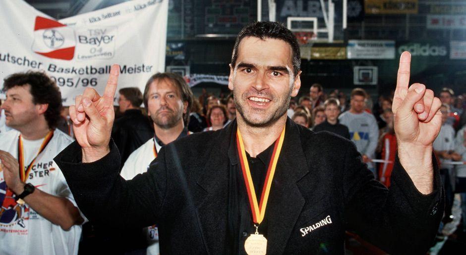 1996: Sieben Titel in Folge - Bildquelle: Imago