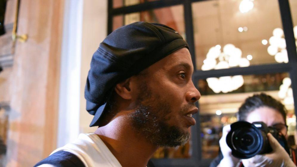Dokumentenfälschung: Ronaldinho bleibt unter Hausarrest - Bildquelle: AFPSIDNORBERTO DUARTE