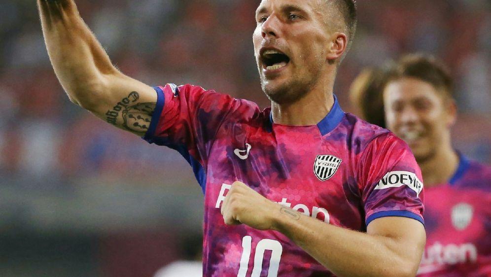 Lukas Podolski bekommt bei Kobe einen neuen Trainer - Bildquelle: JIJI PRESSJIJI PRESSSIDSTR