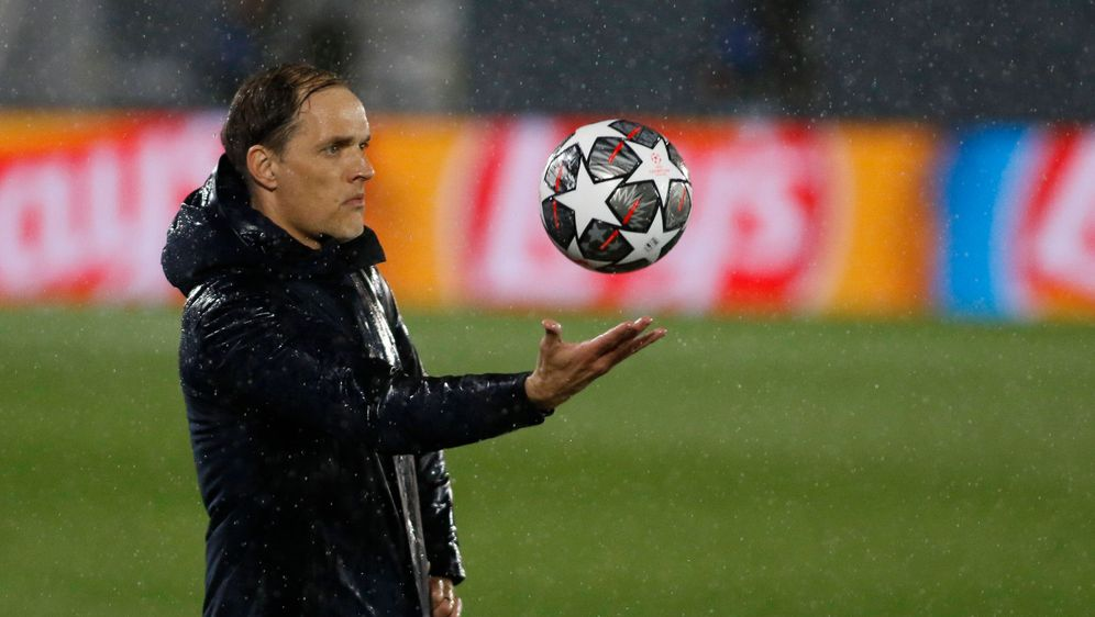 Halbfinal Hinspiel: Thomas Tuchel im Regen von Madrid - Bildquelle: IMAGO / AgenciaLOF