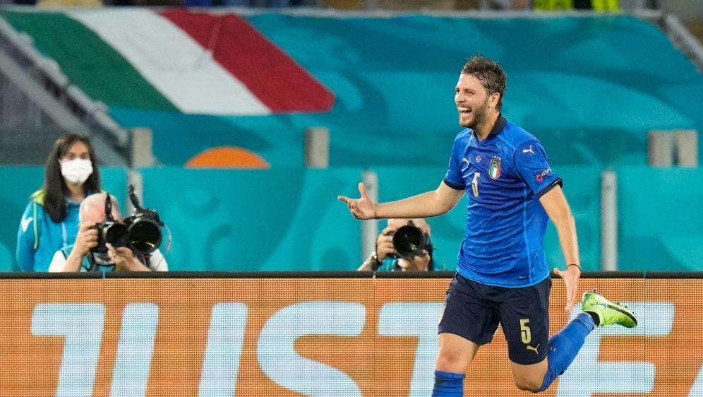 Manuel Locatelli bejubelt einen seiner Treffer - Bildquelle: AFPPOOLSIDALESSANDRA TARANTINO