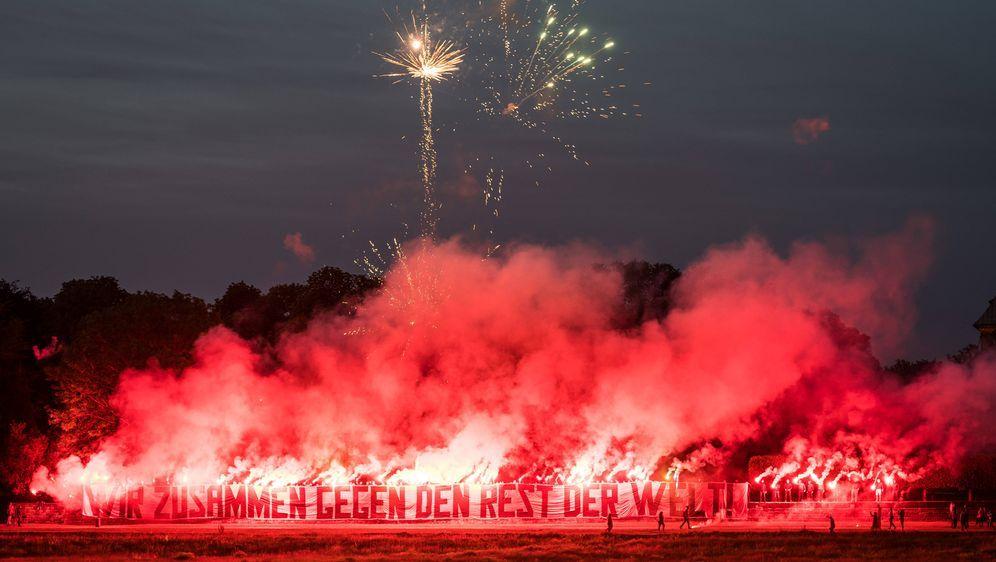 Motivation von den Fans für Dynamo Dresden - Bildquelle: imago