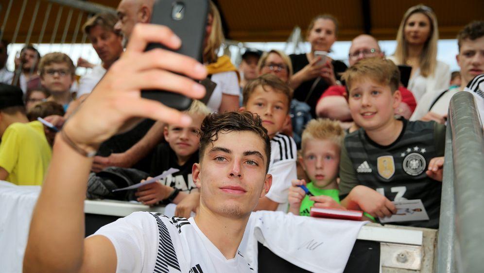 Kai Havertz ist Stammspieler bei Bayer Leverkusen, kommt bislang aber nur au... - Bildquelle: getty