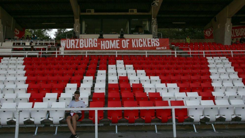 Die Würzburger Arena bleibt zum Zweitligaauftakt leer - Bildquelle: FIROFIROSIDfiro SportphotoChristian Kaspar-Bartke