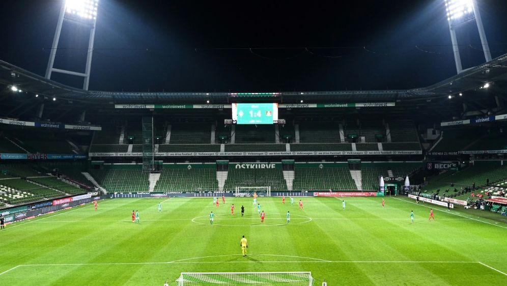 Werder Bremen steht vor finanziellen Herausforderungen - Bildquelle: FIROFIROSID