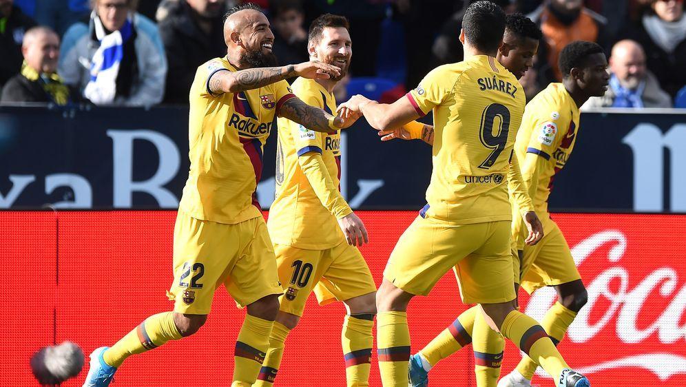 Arturo Vidal (li.) schoss Barca zum Sieg. - Bildquelle: Getty Images