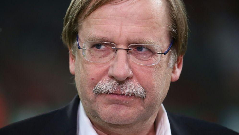 Koch soll in den Gremien der UEFA und FIFA tätig sein - Bildquelle: FIROFIROSID