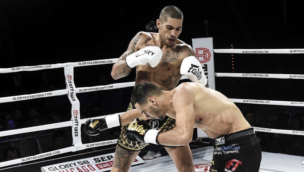Glory-Champion Alex Pereira setzt seinen Mittelgewichtstitel erneut aufs Spi...