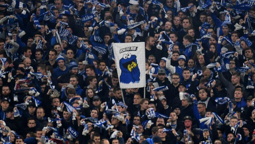 Das Landgericht Essen entlastest Schalke-Fan - Bildquelle: AFPSIDPATRIK STOLLARZ