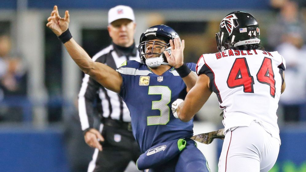 In NFL Week 8 gastieren die Seahawks bei den Falcons. - Bildquelle: 2017 Getty Images