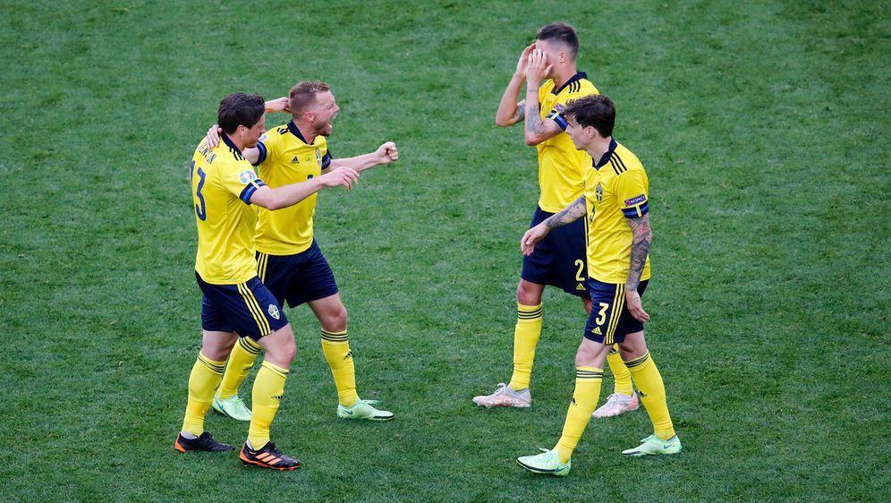 Endspurt in Gruppe E. Schweden trifft im letzten Gruppenspiel auf Polen. Anp... - Bildquelle: 2021 Getty Images