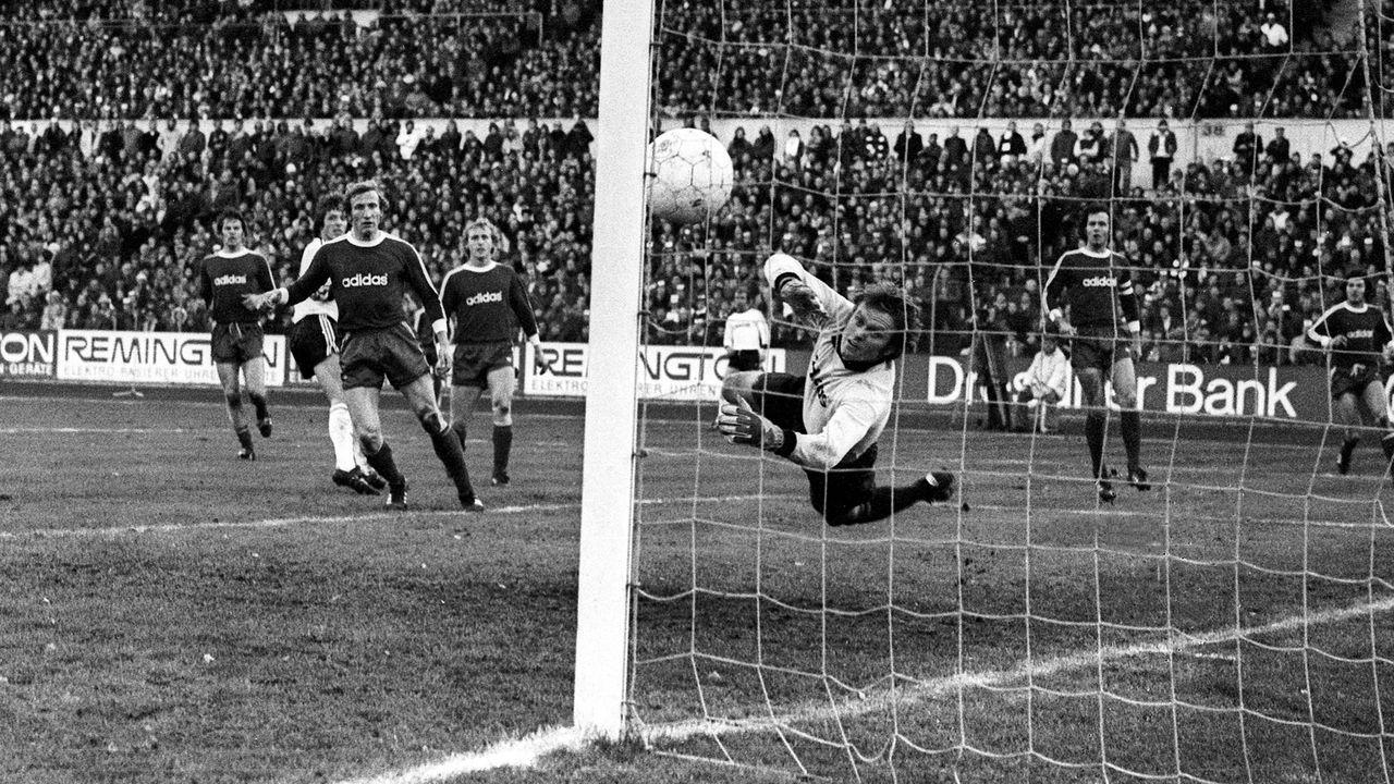Eintracht Frankfurt - FC Bayern München 6:0 (1975/76) - Bildquelle: imago sportfotodienst