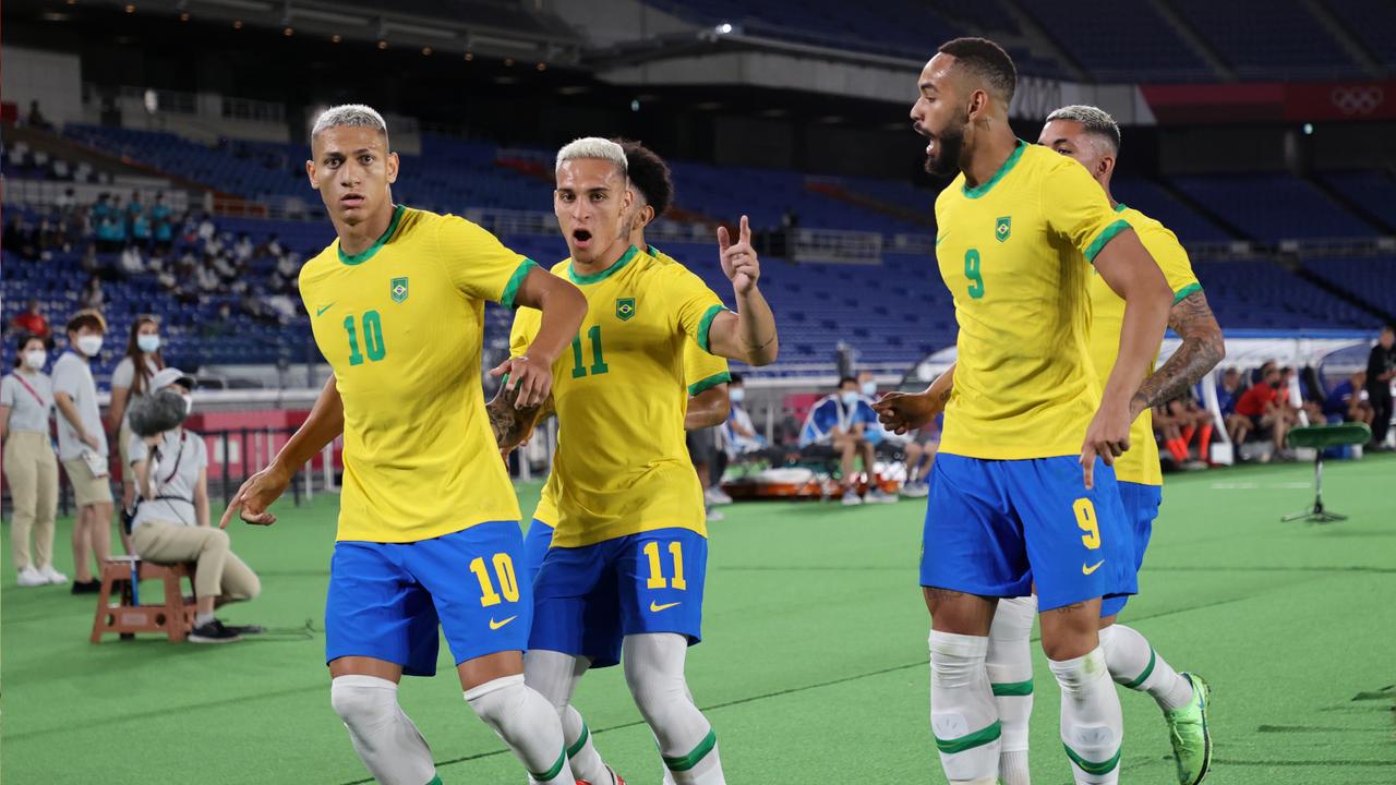 Brasilianischer Jubel an der Eckfahne - Bildquelle: Getty Images