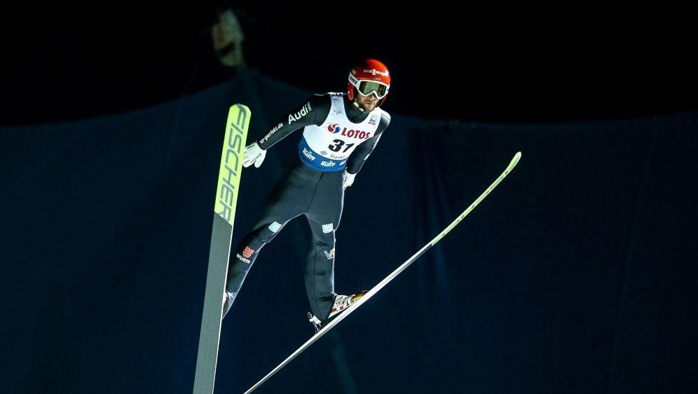 Eisenbichler fleigt im ersten Durchgang auf 146,0 m - Bildquelle: FIROFIROSID