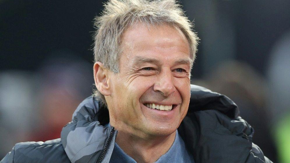 Jürgen Klinsmanns Herthaner holen drei Punkte - Bildquelle: FIROFIROSID