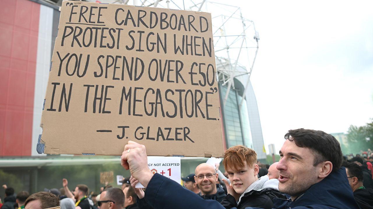 United-Fans protestierten schon auf dem Trainingsgelände - Bildquelle: Getty Images