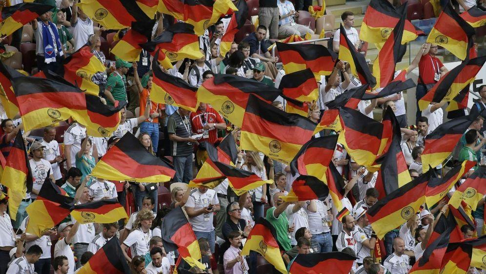 Rund 90 Prozent der Fans begrüßen Löws Rücktritt - Bildquelle: firo Sportphotofiro SportphotoSID