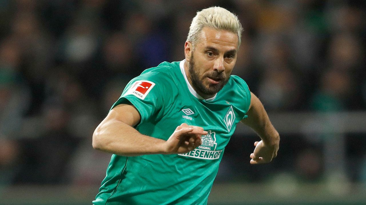 Pizarro stellt Bestmarke mit 38 verschiedenen Bundesliga-Gegnern auf  - Bildquelle: Imago
