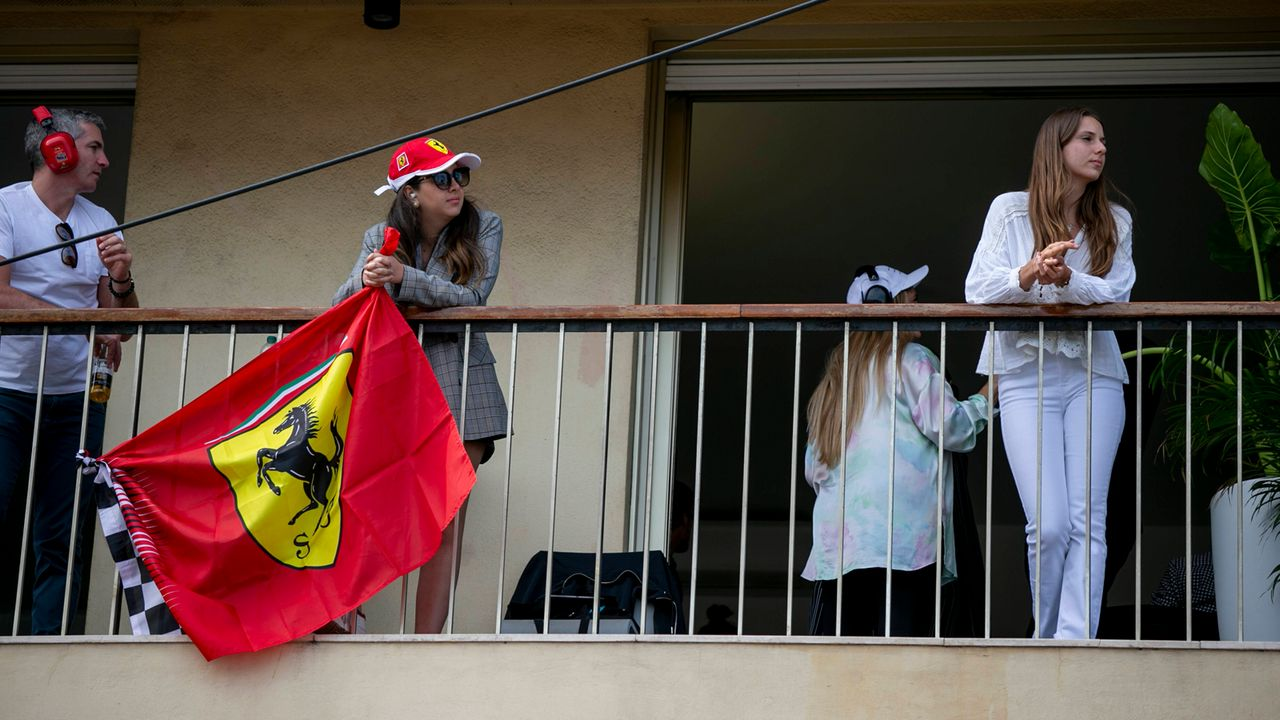 Verlierer: Die Fans - Bildquelle: imago images/HochZwei