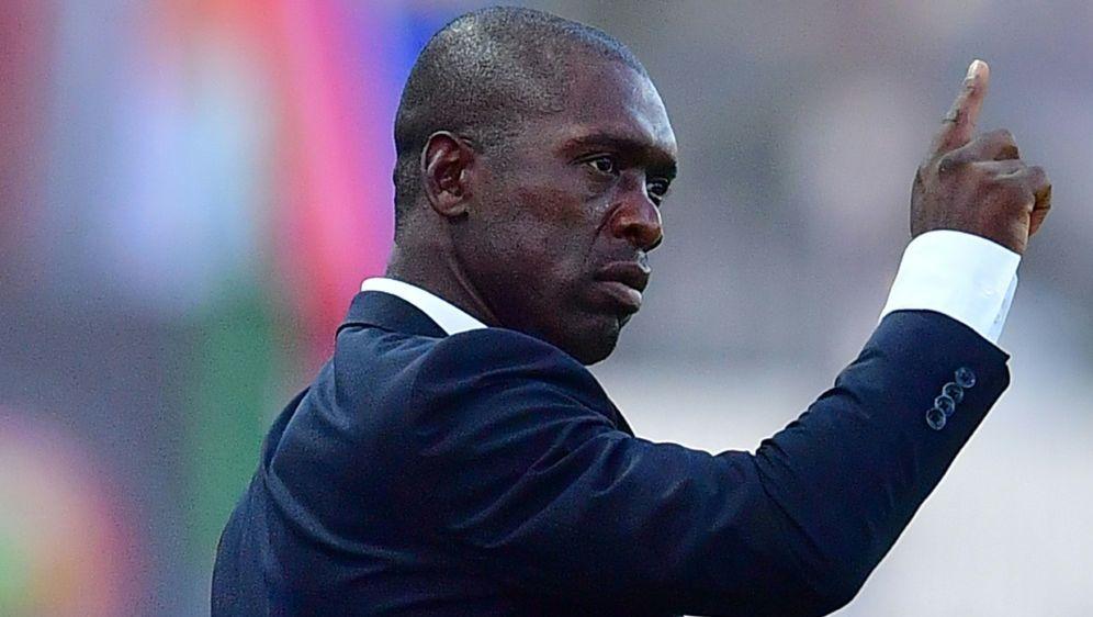Seedorf wurde als kamerunischer Trainer entlassen - Bildquelle: AFPSIDGIUSEPPE CACACE