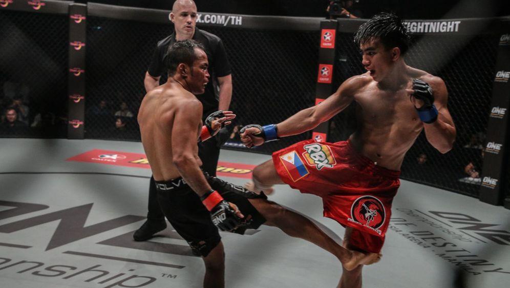 Joshua Pacio (re.) hält den One-Titel im Strohgewicht - Bildquelle: One Championship