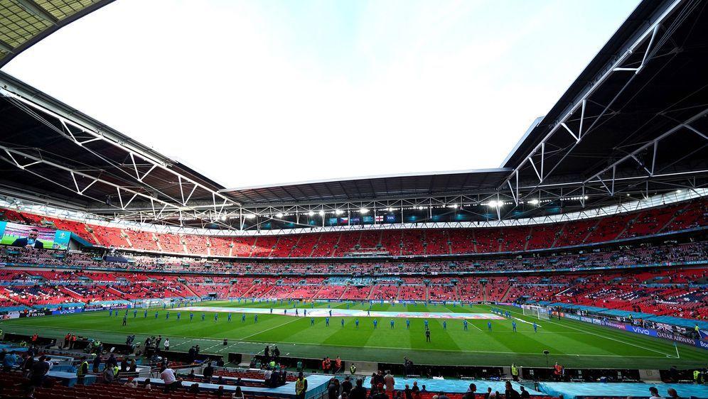 Im schlimmsten Fall findet der Achtelfinal-Kracher gegen England ohne deutsc... - Bildquelle: imago images/PA Images