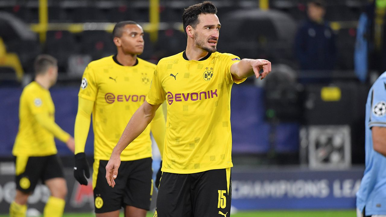 Abwehr: Borussia Dortmund - Bildquelle: Imago Images