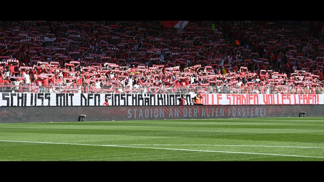 Verlierer: (Einige) Fans von Union Berlin - Bildquelle: Imago