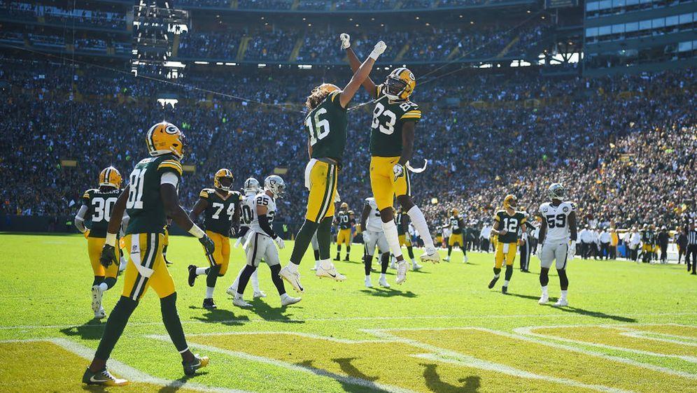 Die Green Bay Packers hatten gegen die Oakland Raiders allen Grund zum Jubel... - Bildquelle: 2019 Getty Images