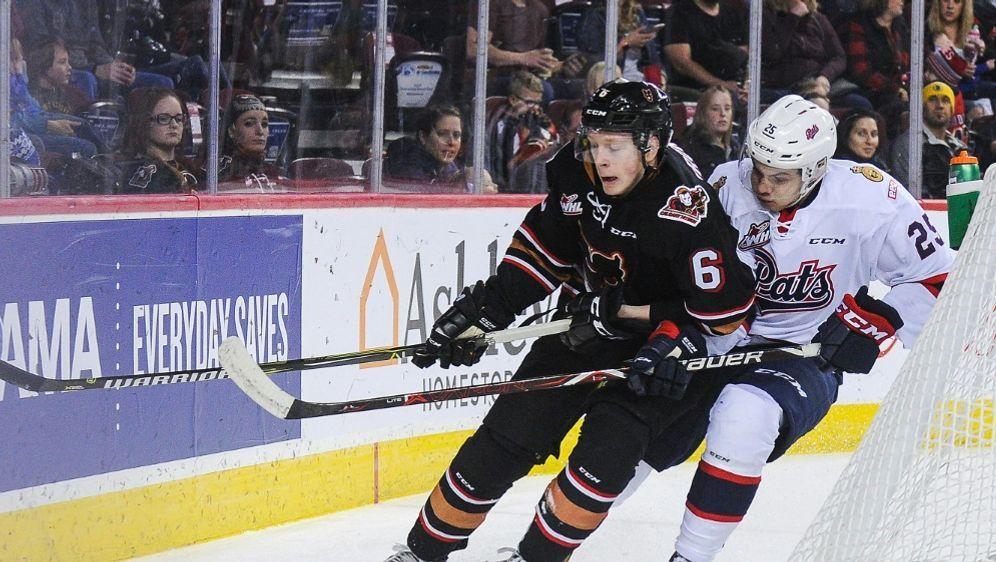 Luke Prokop (L.) hat sich als erster NHL-Profi geoutet - Bildquelle: AFPGETTY IMAGES NORTH AMERICASIDDEREK LEUNG