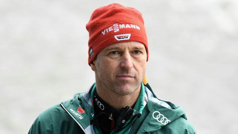 Werner Schuster unterrichtet Sportkunde am Schigymnasium - Bildquelle: AFPSIDCHRISTOF STACHE