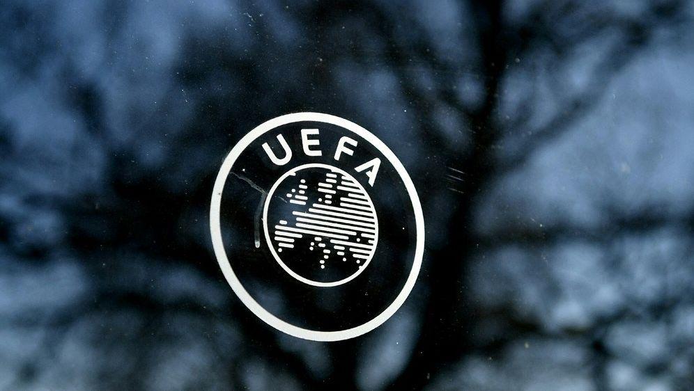Sportrechtler sieht kaum Handlungsmöglichkeiten für UEFA - Bildquelle: AFPSIDFABRICE COFFRINI