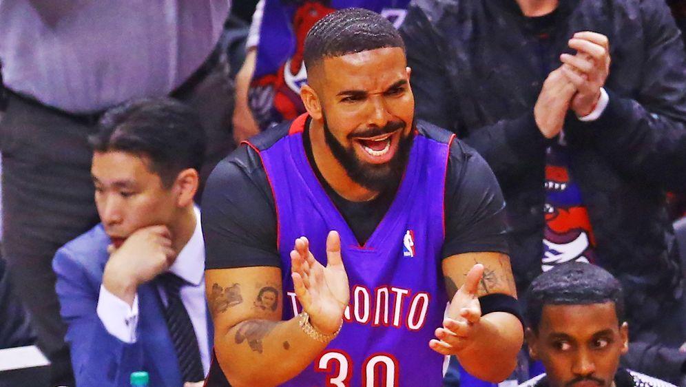 Rapper Drake ist einer der größten Stars der NBA-Playoffs - Bildquelle: Getty